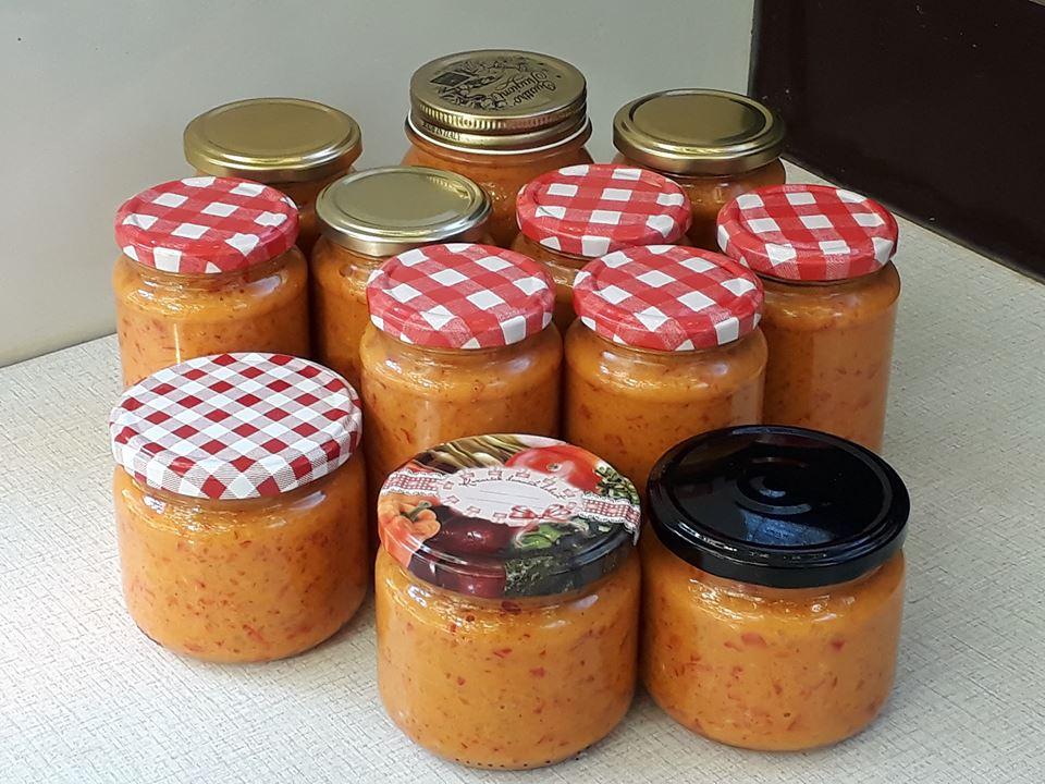 Gorčični namaz z rdečo papriko