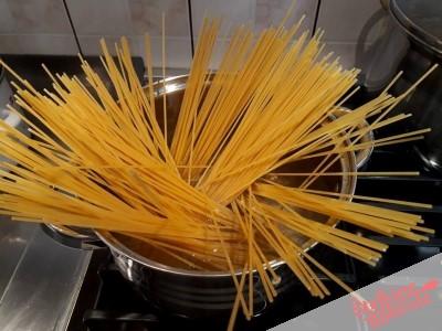 5. Skuhamo špagete