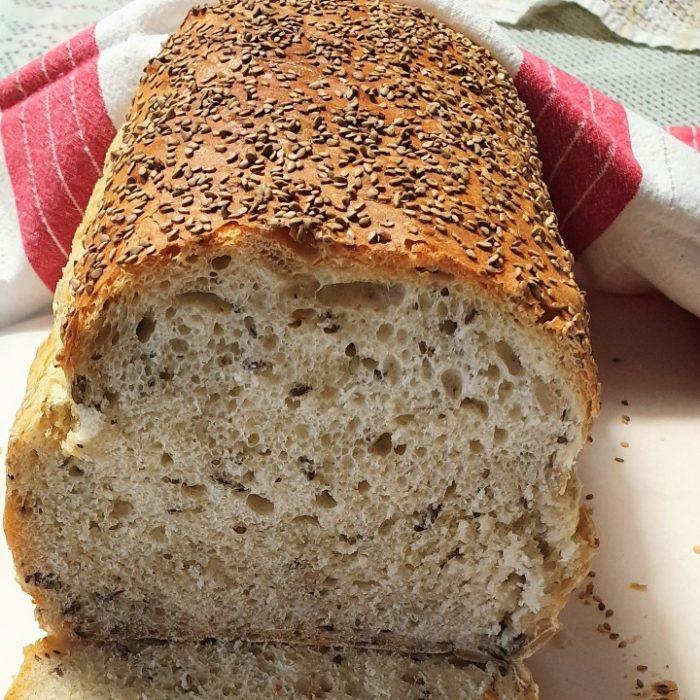Bel kruh s semeni 1