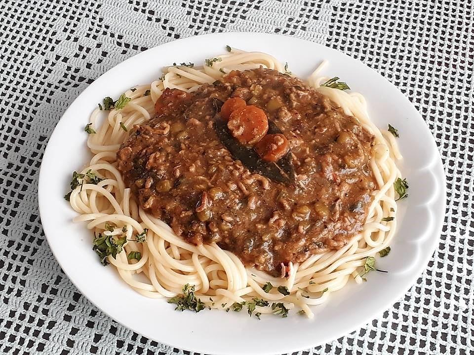 Spageti z mesno omako