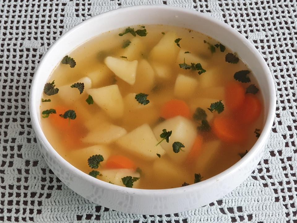 Krompirjeva juha s povojckom