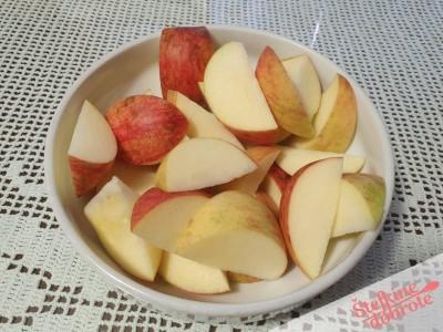 3 jabolka