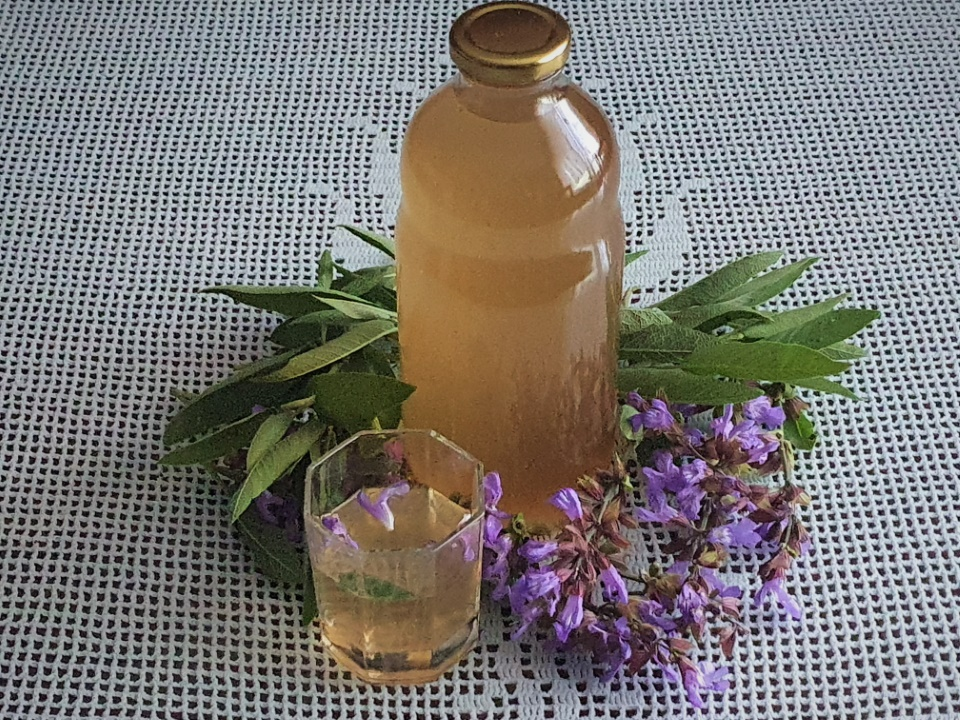Sirup iz zajbljevih cvetov